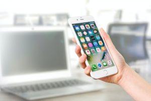 كيف تحقق التطبيقات المجانيّة أرباحاً للمطوّرين؟