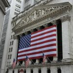 البورصة الأمريكية تفتتح مجدداً مع ارتفاع ملحوظ للأسهم، وارتفاعات مشابهة في أوروبا