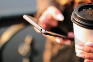 ما هو افضل هاتف ذكي بسعر معقول يمكنك شرائه اليوم؟